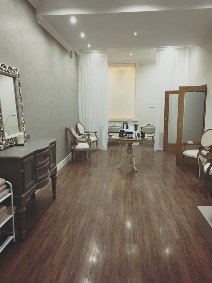 Good Morning. We are looking forward to a very busy day in the refurbished salon – it looks like a different place …Continue Reading..