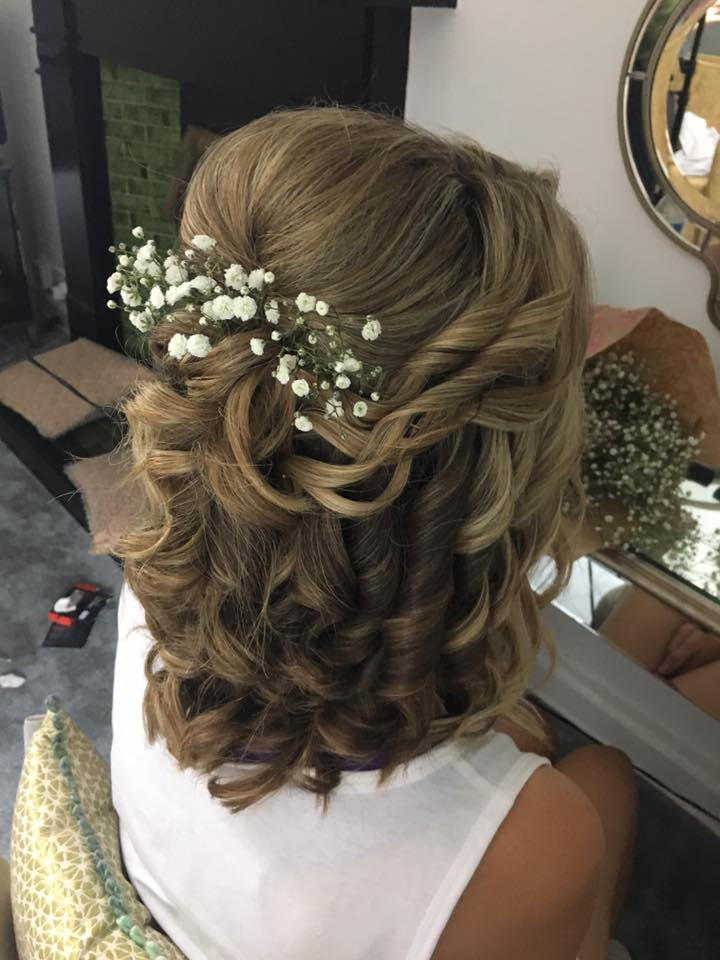 Today's wedding hair by Stephanie  at Sparth House…Continue Reading..