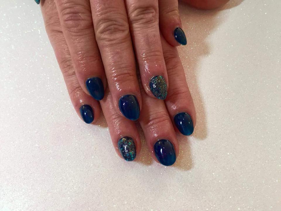 Gorgeous Acrylic Nails with Shellac £30…Continue Reading..