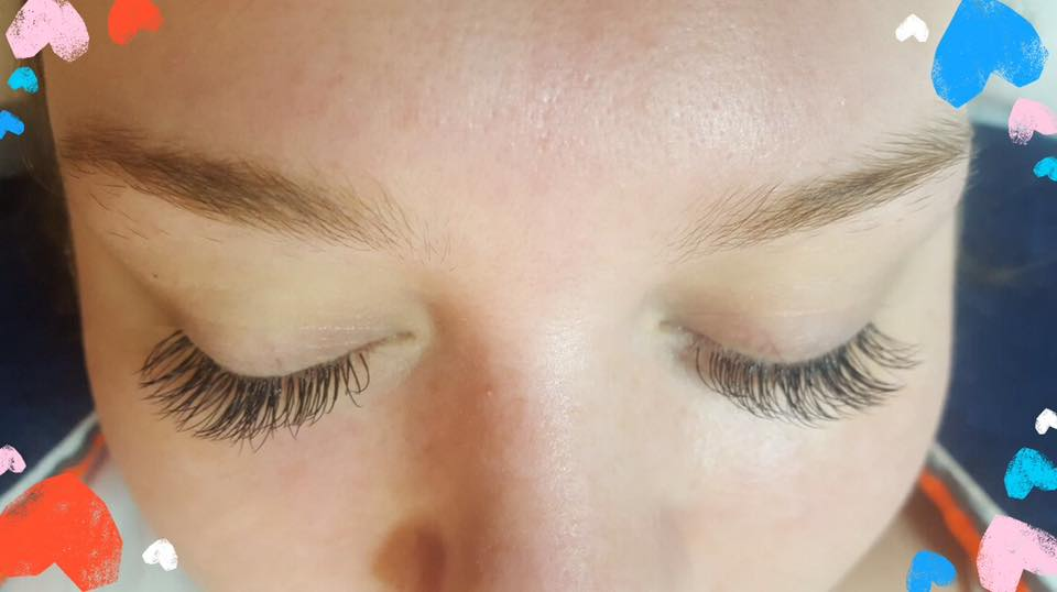 Semi-Permanent Lashes by Lydia…