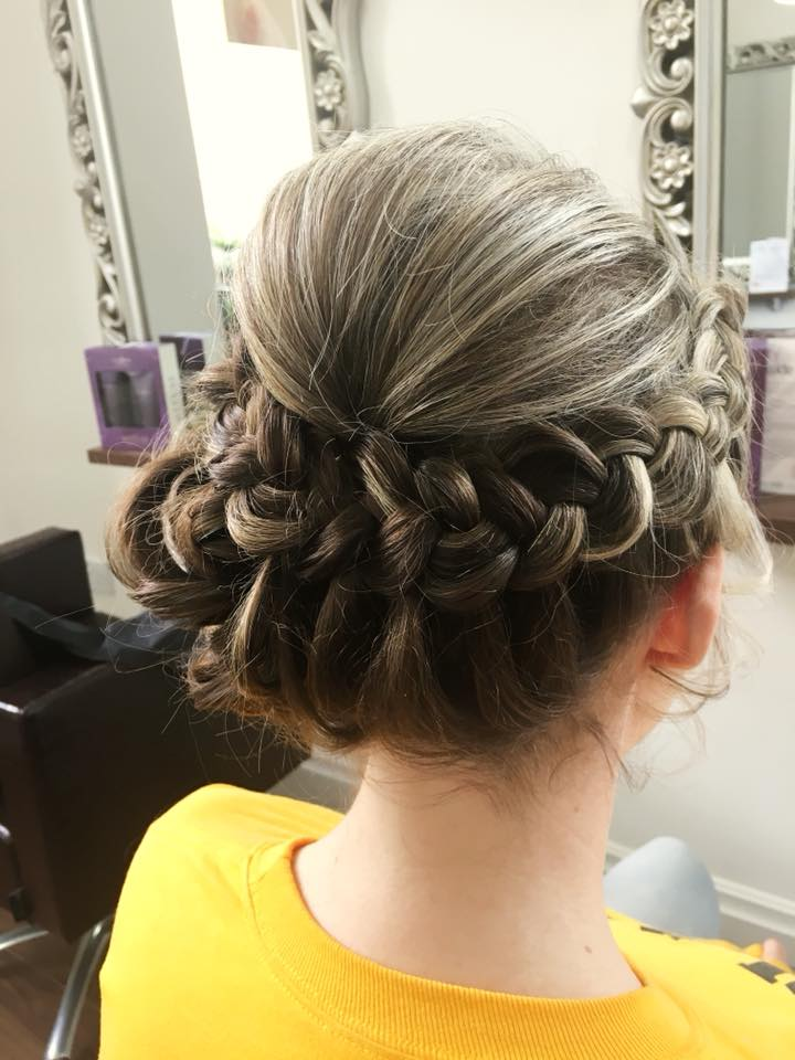 Pretty wedding guest hair by Stephanie …Continue Reading..